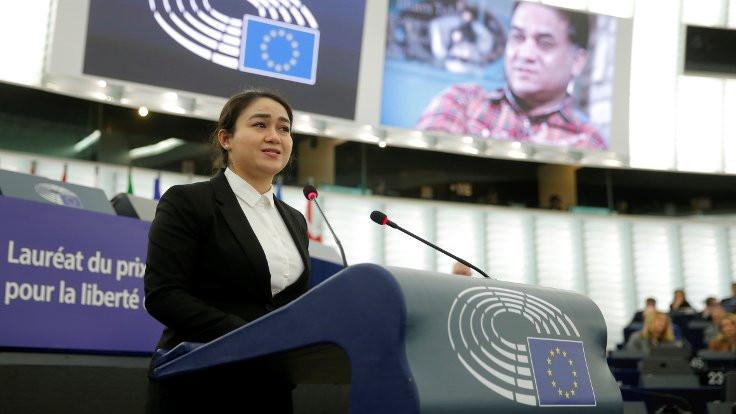 Saharov Ödülü Uygur aktivist İlham Tohti'nin
