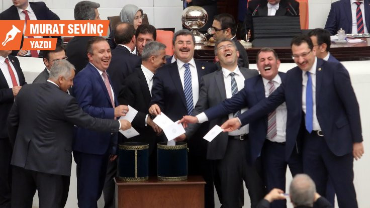 'Huzursuz' AKP'lilere nasıl moral verebiliriz?!