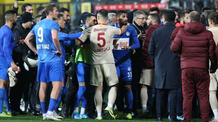 Jimmy Durmaz'a 3 maç men cezası verildi