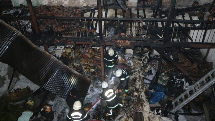 Maraş'ta bir evde tüp patladı
