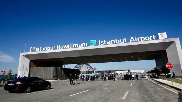 Havalimanında 36 dil, 80 lehçe var, Kürtçe yok
