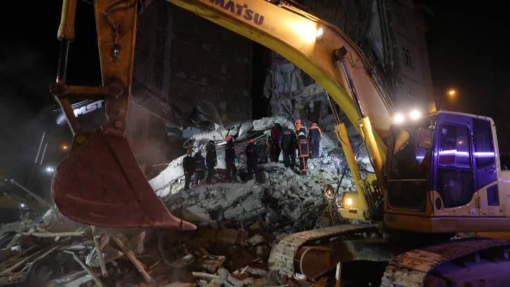 AFAD: 1097 arama kurtarma personeli bölgede