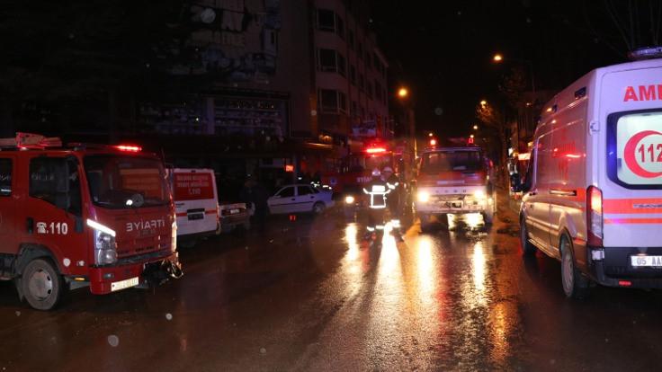 Amasya'da AVM yangını: 2 ölü, 4 yaralı