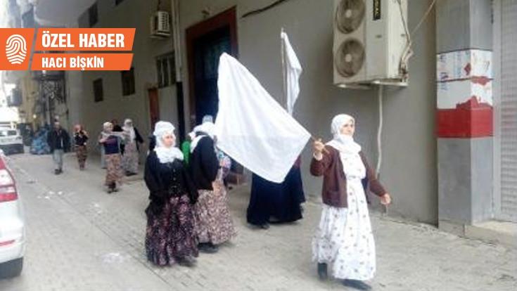 Yaralılar için yürüyen Cizreli annelere para cezası
