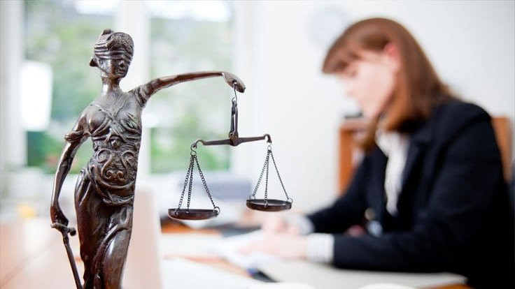 Avukata danışma ücreti: 1 saati 450 TL