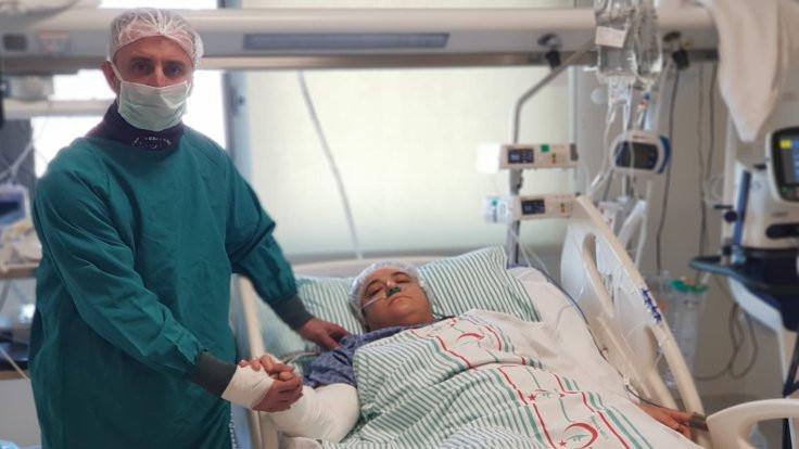 Kurtardığı Azize Çelik'i hastanede ziyaret etti
