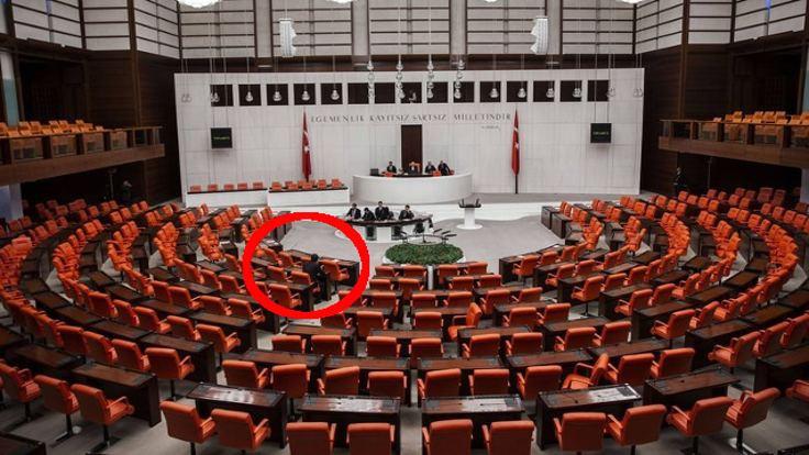 Erkan Baş Meclis'te tek başına