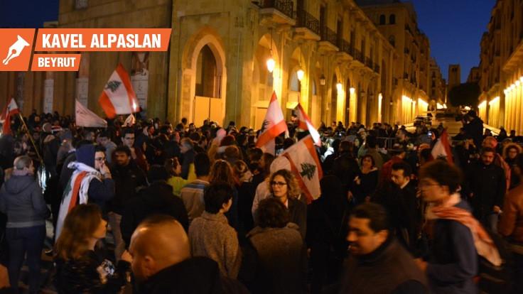 Lübnanlılar durmuyor: Mezhepler değil açlık önemli