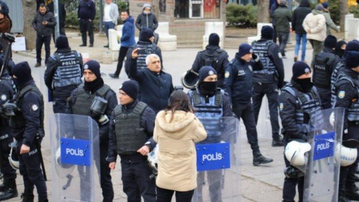 20 kişi gözaltına alındı, vekil darp edildi