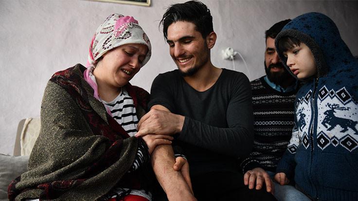 Suriyeli Mahmud'la buluştular: Artık annenim...