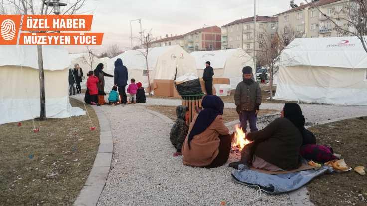 Sobası olmayanlar çadırda soğukla boğuşuyor