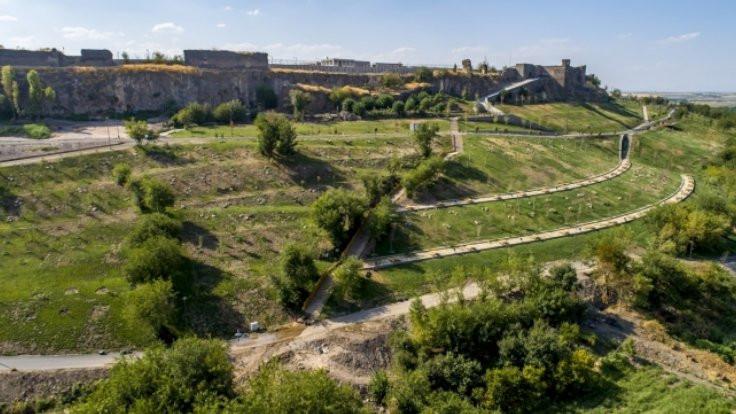 Diyarbakır Millet Bahçesi izinsiz çıktı
