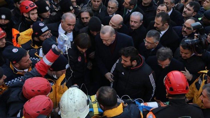 CHP'den Erdoğan'a tepki: Enkazda siyasi şov