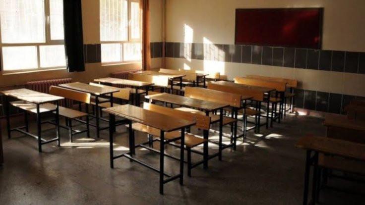 'Sarılma cezası' alan öğretmen: İğrenç bir iftira