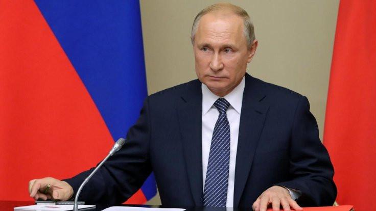 Putin, Libya için Berlin'e gidiyor