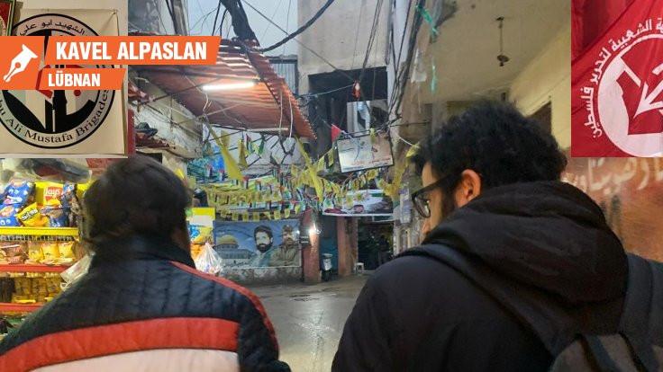 Kablolar, yağmur ve bayraklar arasında: Şatilla