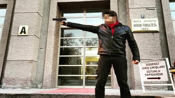 Silahlı asistan: Yılın en utanç verici olayı