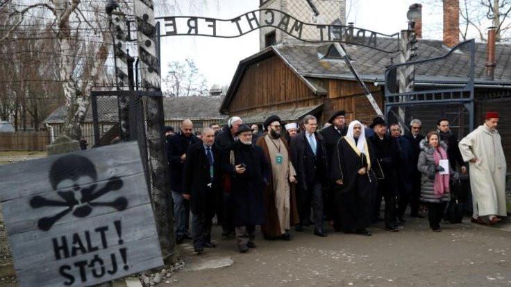 Auschwitz'te namaz kıldılar