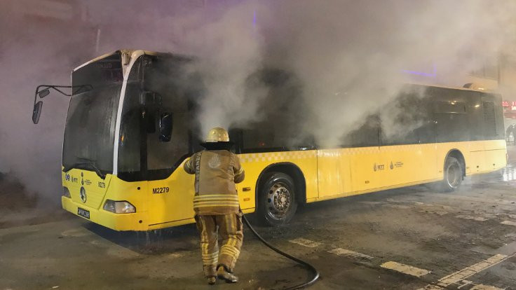 İETT otobüsünde yangın çıktı