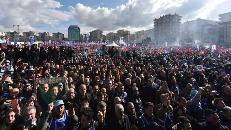 Metal sanayicileri greve karşı lokavt ilan etti