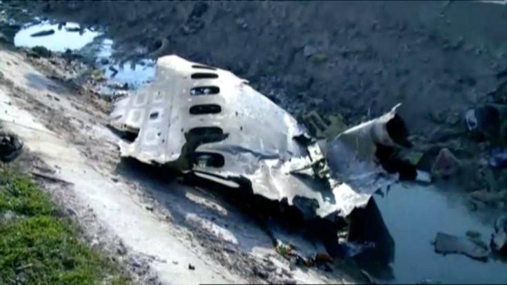 İran: Düşen uçak havada alev topu şeklinde ilerliyordu