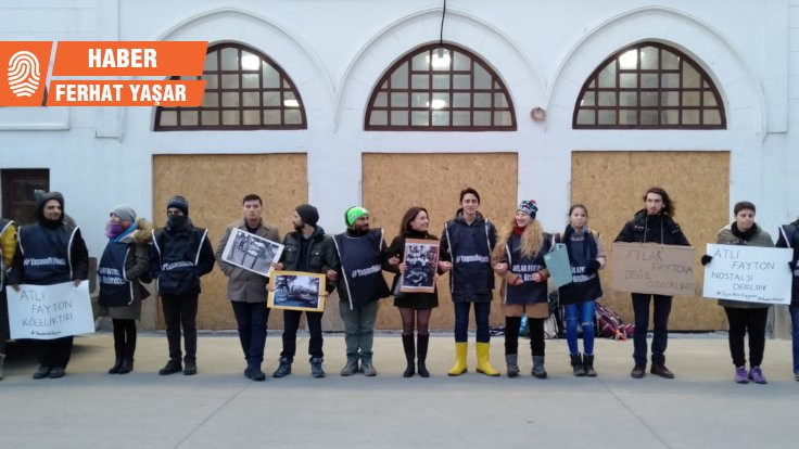 Kadıköy'de faytona karşı 'yaşam zinciri'
