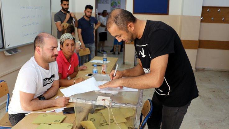 AREA Araştırma: HDP'nin oyu yüzde 12.9 - Sayfa 1