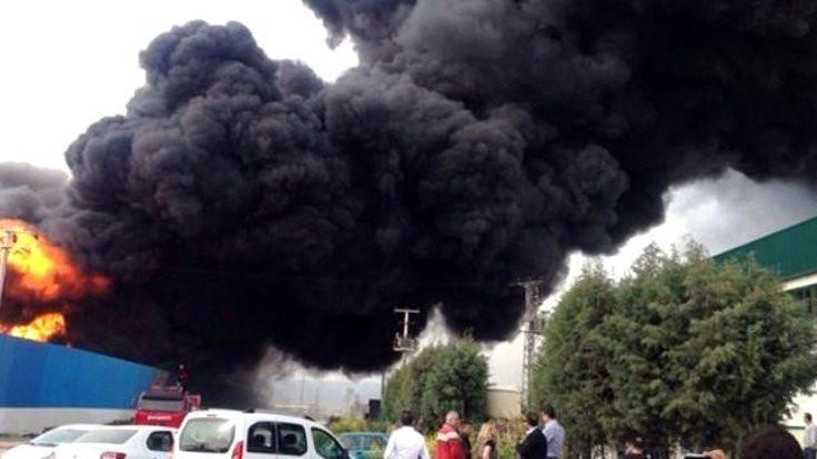 Manisa'da fabrika yangını