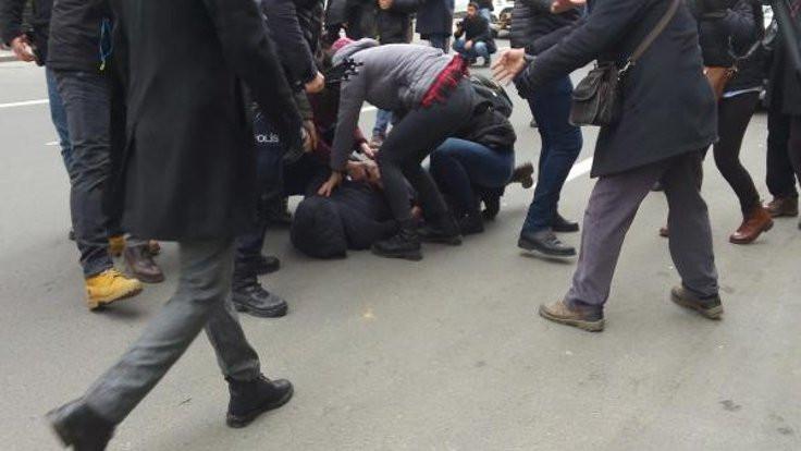 Kızılay önünde protestoya 19 gözaltı
