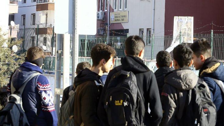 Ankara'da müdürü vurulan okul boşaltıldı