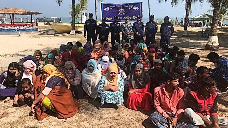 Bangladeş'te göçmen teknesi alabora oldu