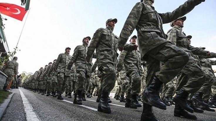 Dövizle askerlikte 'çalışma' şartı kalkıyor