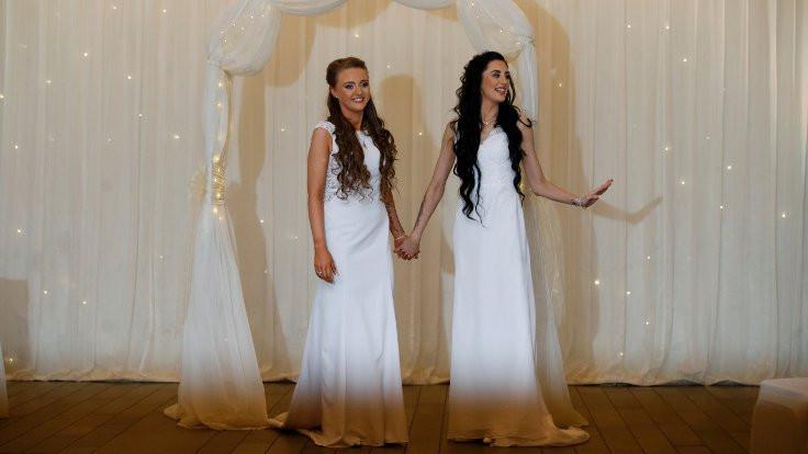 Kuzey İrlanda'da ilk eşcinsel evlilik