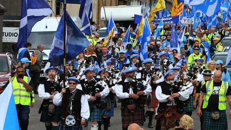 İskoçya yeni referandum istiyor