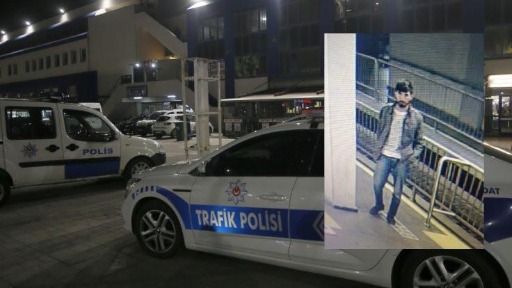 Metro istasyonunda polisi vurdu