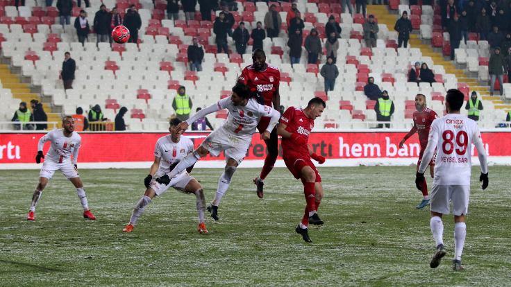 Sivasspor kupaya çeyrek finalde veda etti