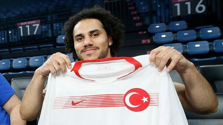 Larkin, Türkiye Milli Takımı'nda oynacak