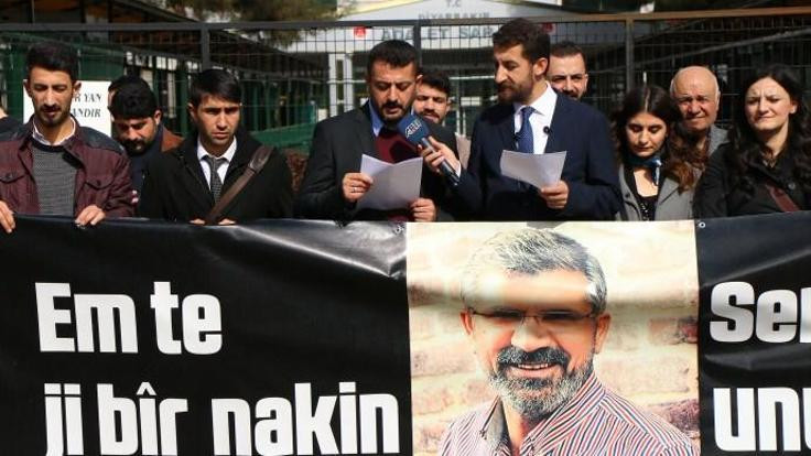 Elçi eyleminde 'anadil' protestosu