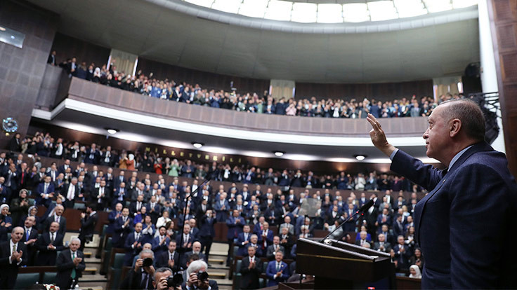 AK Parti grubuna yaşlılar alınmayacak