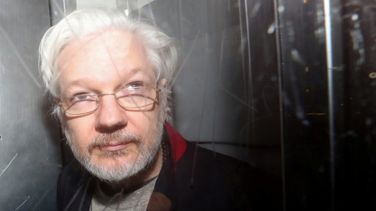 Mahkeme, Assange'a 'virüs izni' vermedi