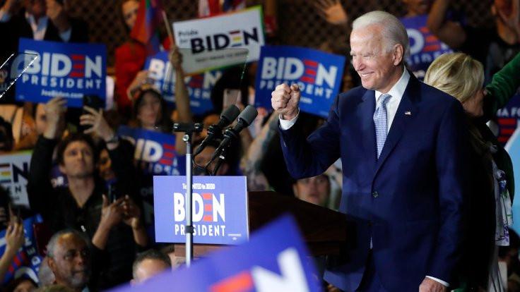 ABD'de Biden-Sanders çekişmesi