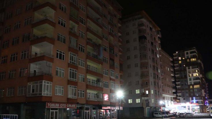 11 katlı bina boşaltıldı