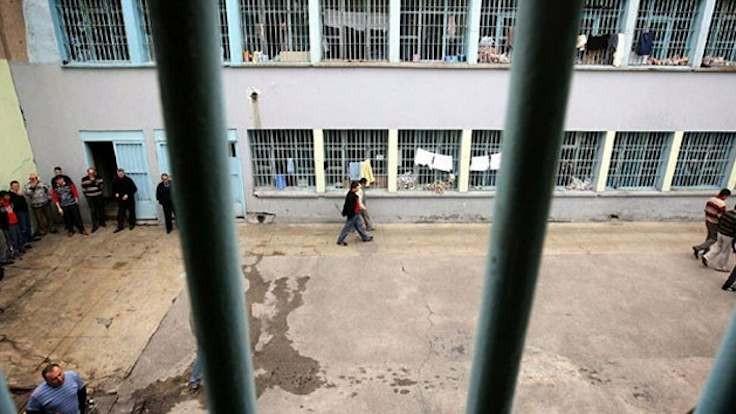 DEVA: Cezaevlerinde yoğunluk azaltılmalı
