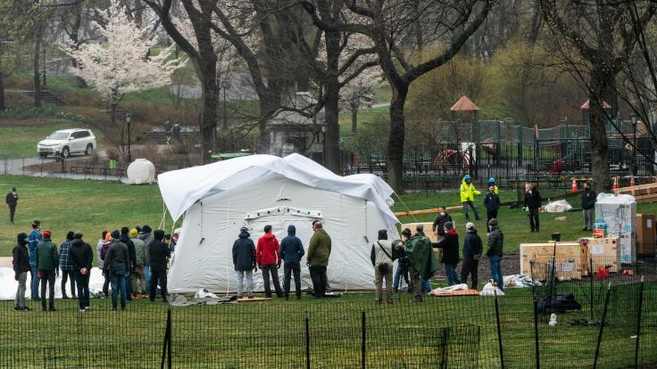 Central Park'ta korona virüsü hastanesi yapılıyor