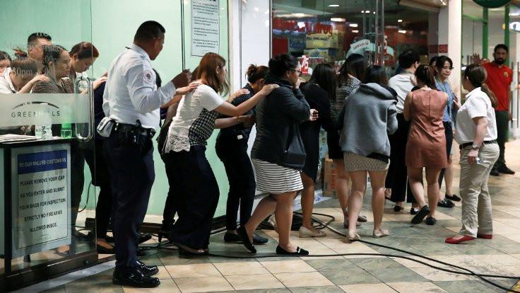 Filipinler'de rehin alınan 30 kişi bırakıldı