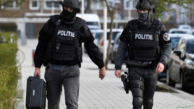 Hollanda'da 4 cinayetin zanlısı yakalandı
