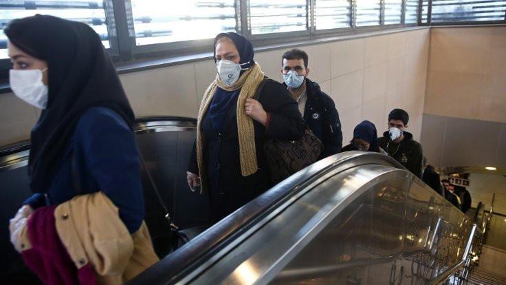 İran'da 54 bin tutukluya virüs izni verildi