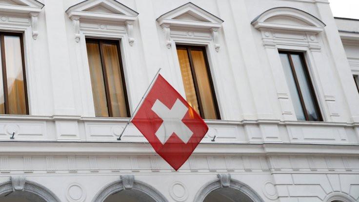 İsviçre'de ilaçlar karne ile satılacak