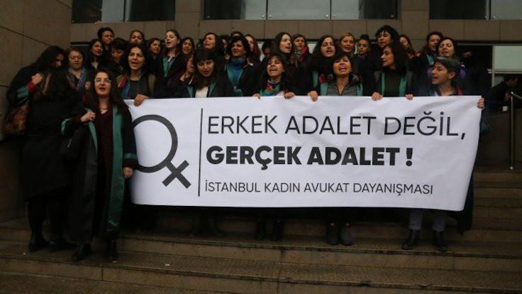 Yargıda cinsiyetçiliği protesto ettiler