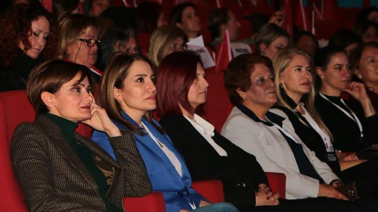 'CHP kadın kongresi niye ertelenmedi' tepkisi